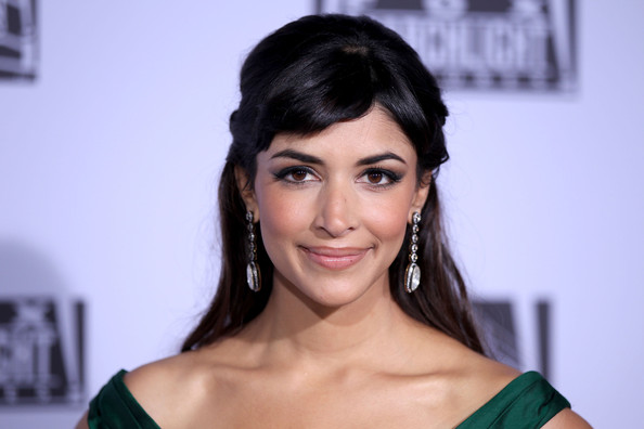 File:Hannah+Simone+Fox+Searchlight+2012+Golden+tE7SJb8Russl.jpg