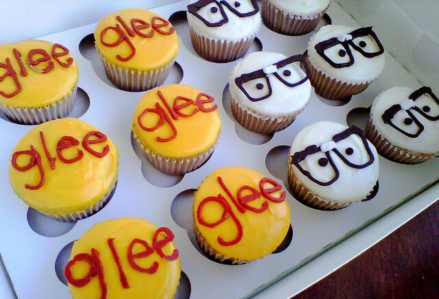 File:GleeCupcakes1.jpg