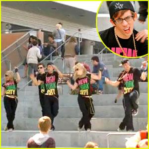 File:Glee 20100829 aatheory1.jpg