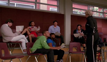 File:Glee-throwdown-hate-on-me.jpg