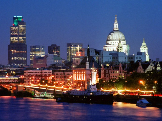 File:London Skyline England.jpg