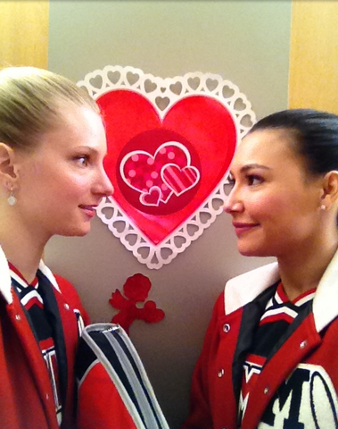 File:Brittana Valentinesday.png