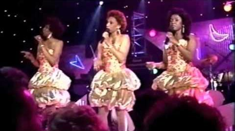 The Dixie Cups - Chapel of Love (Live)