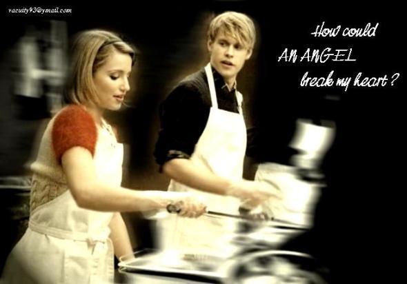 File:Xmas-couple-glee-27689456-590-412.jpg