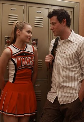 File:Quinn-Finn-glee.jpg