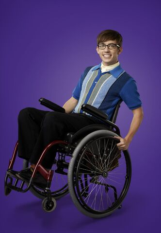 File:Artie Glee 4.jpg