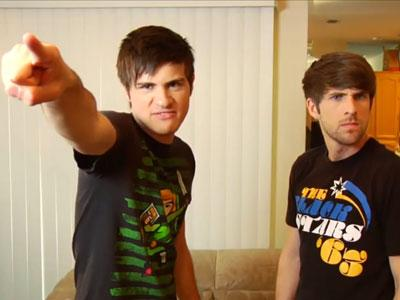 File:AnthonYy-And-IAnNN-smosh-ian-hecox-and-anthony-padilla-24095988-400-300.jpg