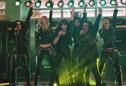 Glee-start-me-up-living-on-a-prayer-never-been-kissed-525x363.jpg