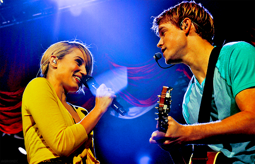 File:Dianna-Chord-Glee-Live-sam-and-quinn-22915095-500-322.png