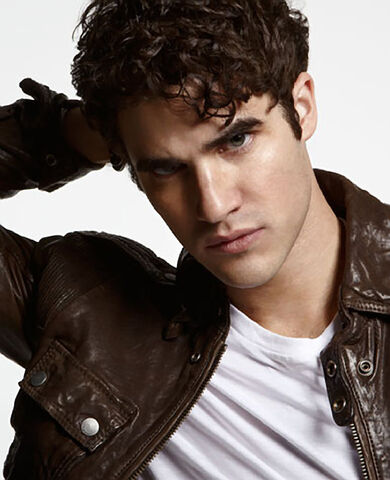 File:Darren Criss Out Magazine 5-726089.jpg