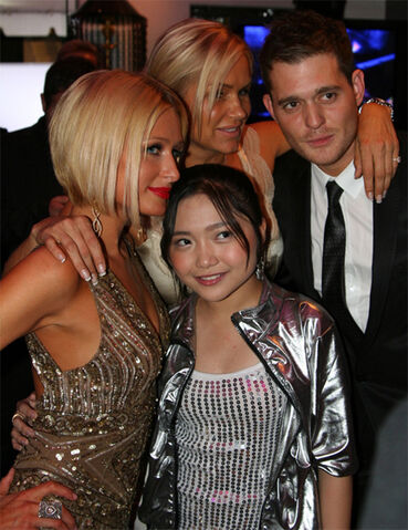 File:Paris-hilton-charice-michael-buble-oscars.jpg