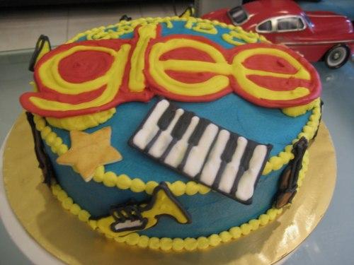 File:B-day cake.jpg
