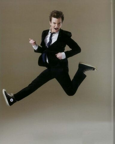 File:Chris-colfer-H-Magazine-glee-9307202-484-604.jpg
