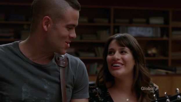 File:Glee.S02E11.HDTV.XviD-LOL 0653.jpg