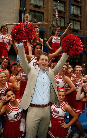 File:Glee+Cheerleaders+Exclusive+Performance+Fox+-I1gHyL2xyql.jpg
