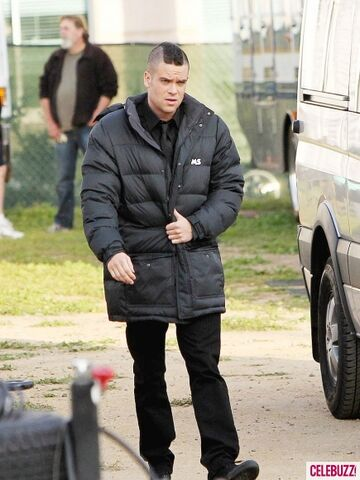 File:MARK-SALLING-GLEE--435x580.jpg