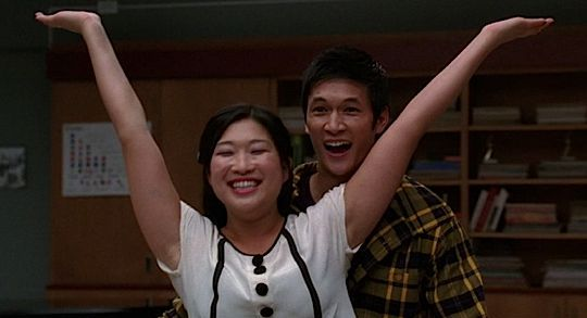 File:Glee-Duets-MP3-03-2010-10-12.jpg