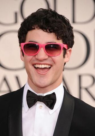 File:Darren Criss Wearing Hot Pink Sunglasses.jpeg