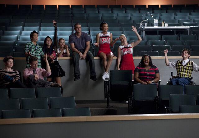 File:Glee-s2ep01-13.jpg