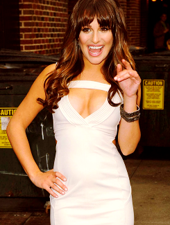 File:Lea's dress for DLetterman Interview2.png