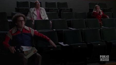 File:Hecklers Glee 6.jpg