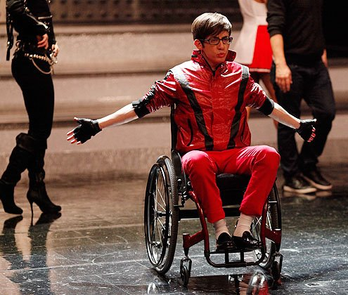 File:Glee-michael-jackson-tribute-13.jpg