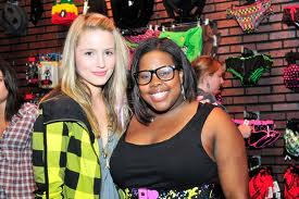 File:Dianna and amber.png
