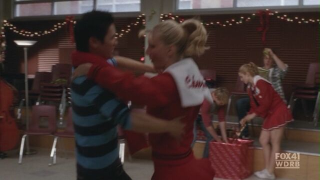 File:Bike-2x10-A-Very-Glee-Christmass-mike-and-brittany-17533662-1580-891.jpg