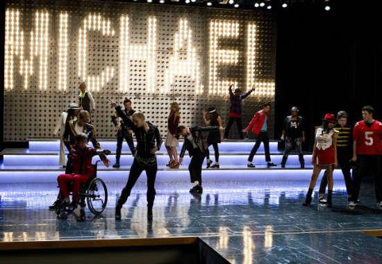 File:Glee-michael-jackson-12.jpg