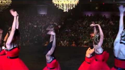 "Glee - Full Performance of ""The Edge of Glory"""