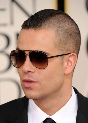 File:Mark-salling-marc-by-marc-jacobs.jpg