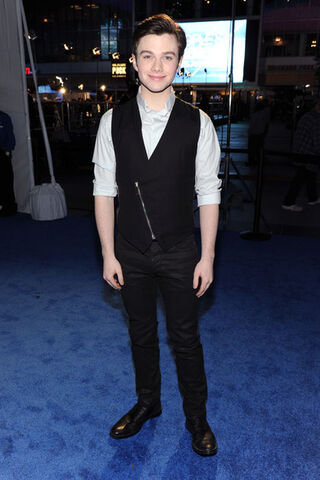 File:Chris+Colfer+2011+People+Choice+Awards+Red+M4MVinXBxO l.jpg