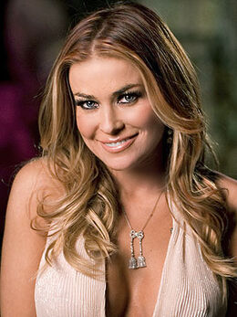 Carmen Electra looks gorgeous in her meet the spartans movie and in Feathered dress16