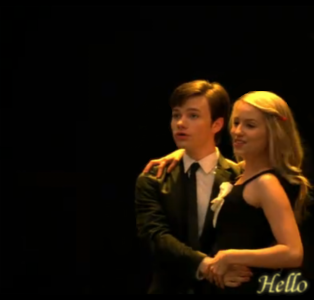 File:Glee Kurt and Quinn Hello by SkyeWall - Copy.png