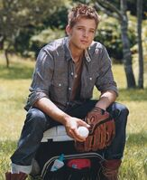 Max Thieriot 5