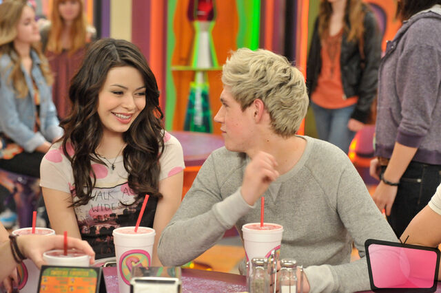 File:ONe-Direction-iCarly-2012-06.jpg