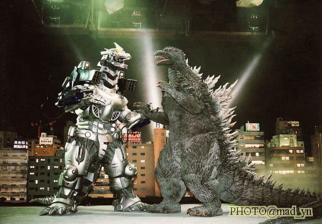 File:Godzilla & MechaG on set.jpg