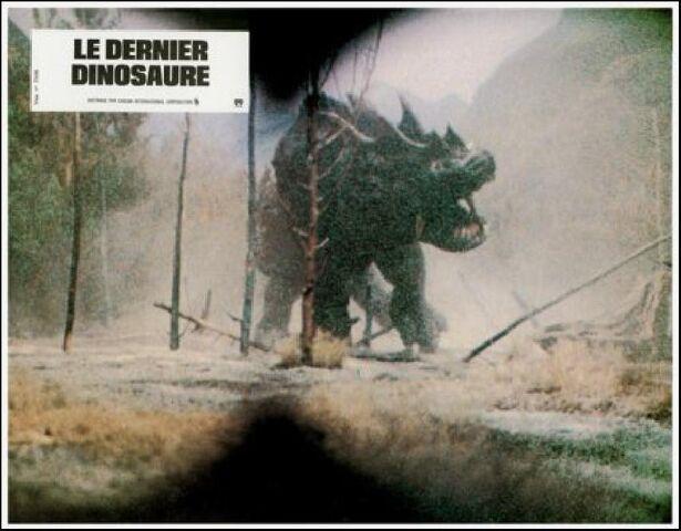 File:The Last Dinosaur - Lobby Cards - France - 2.jpg
