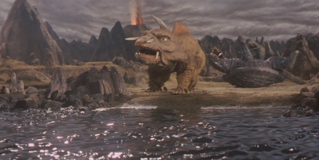 File:Gamera - 5 - vs Jiger - 22 - Jiger decides to leave.png