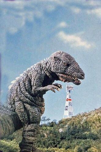Gorosaurus en King Kong Escapes (click to enlarge)