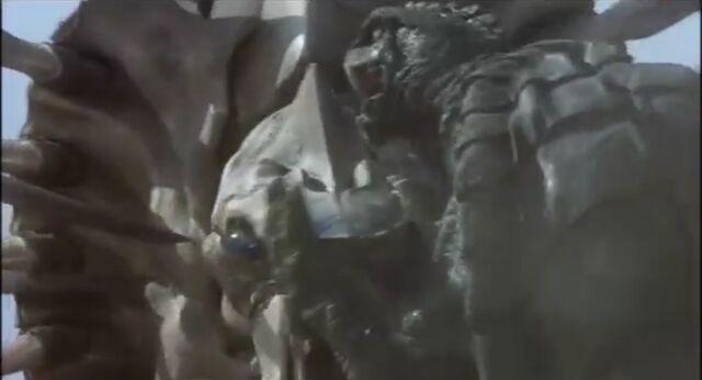 File:AOL - Gamera vs. Legion First Fight 02.jpg