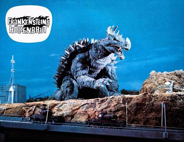 File:Godzilla vs. Gigan Lobby Card Germany 4.png