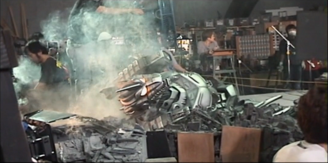 File:Kiryu damaged anamatronic.png