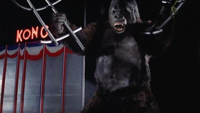 File:King Kong 1976 Kong Breaks Free.jpg