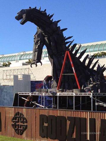 File:SDCC 2014 - Godzilla being built 2.jpg