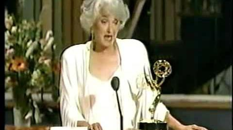 ★ Beatrice Arthur ★ Receiving An Emmy Award For The Golden Girls ★ 1988 ★