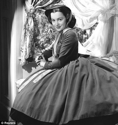 File:Olivia de Havillan (2).png
