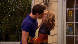 TeddyandSpencerKissing