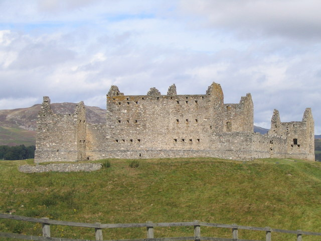 File:Ruthven Barracks-5.jpg