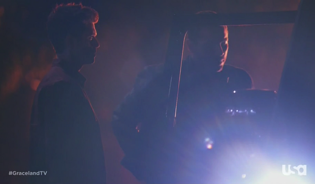 File:1x01-MikeBriggsShooting.png